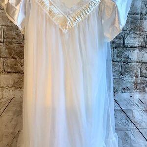 ToscaLingerie Intimates & Sleepwear - Tosca Lingerie Peignoir Set White Sz Large
